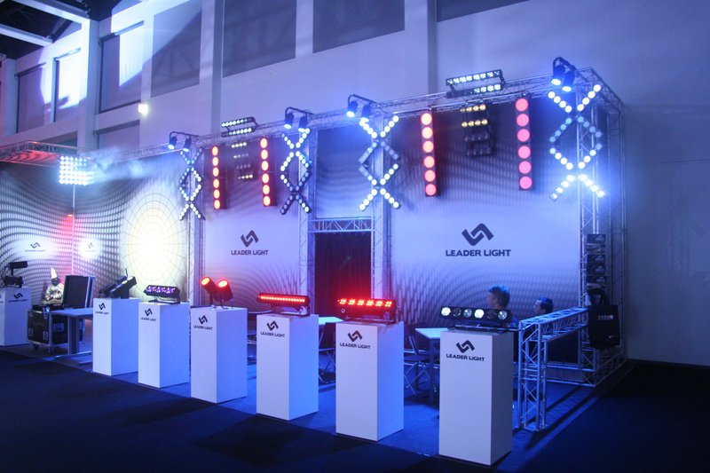LEADER LIGHT on ShowTech 2011 1