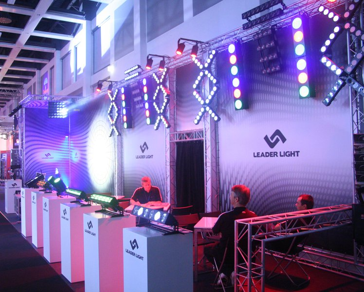 LEADER LIGHT on ShowTech 2011 3