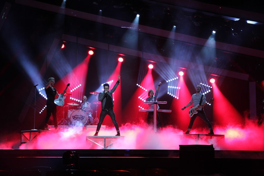 LEADER LIGHT on Melodifestivalen Sweden 4